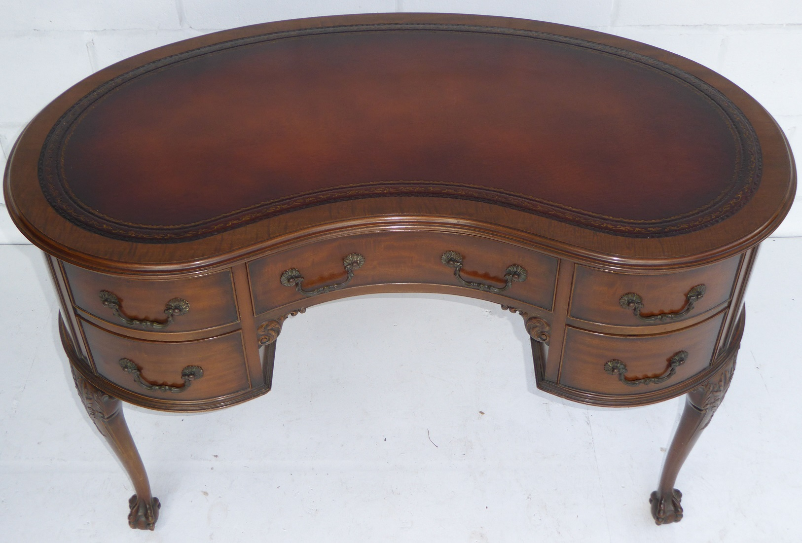 Edwardian Kidney Shaped Desk By Waring And Gillows