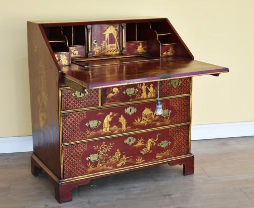 651 A 18th Century Chinoiserie Bureau CNXN
