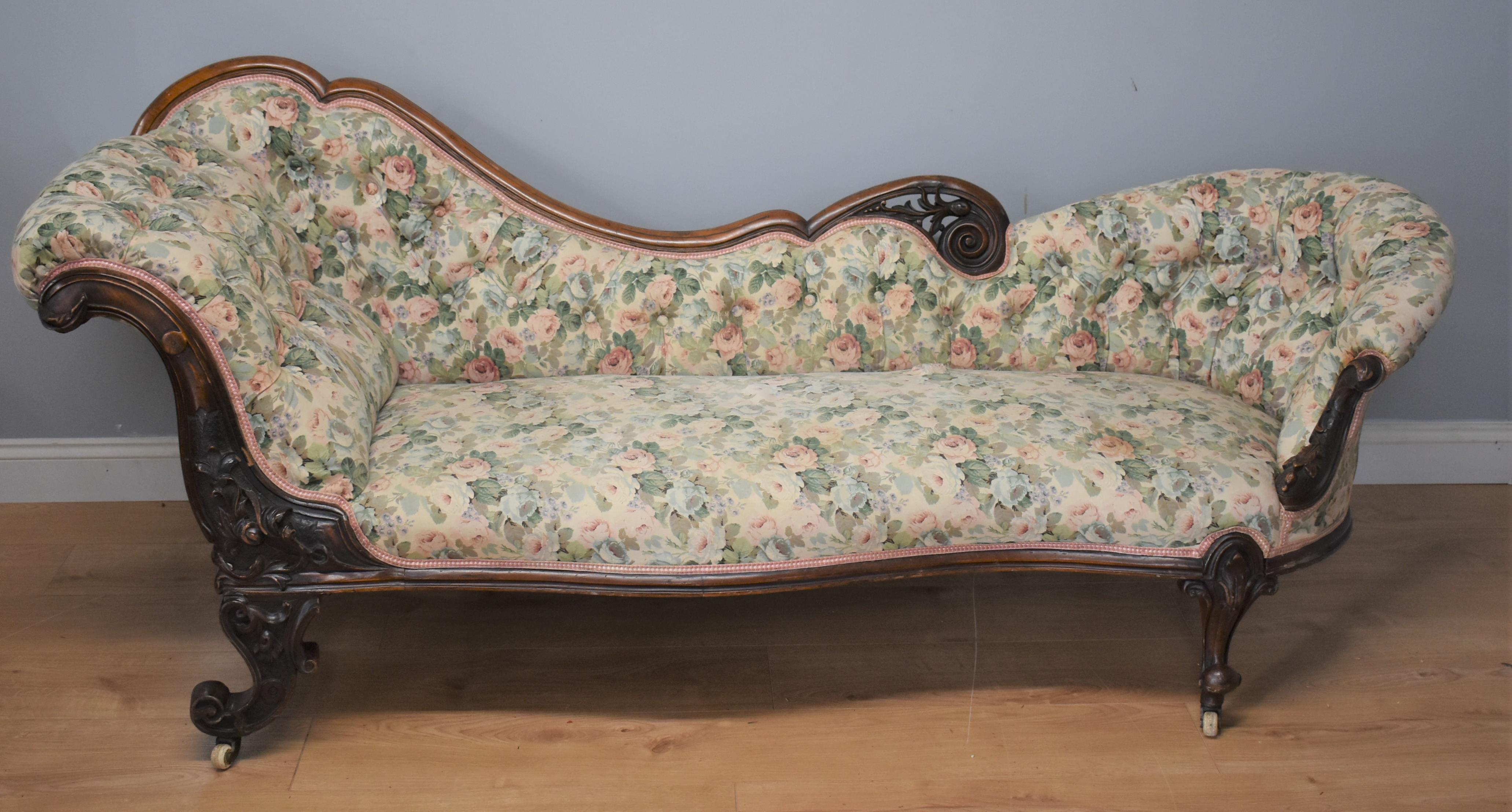 Victorian Walnut Chaise Longue Fgb